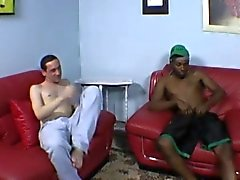 Amateur white guy gets nailed by a black stud