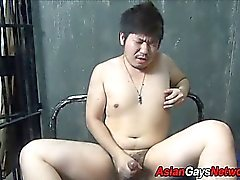 Fat asian amateur cums